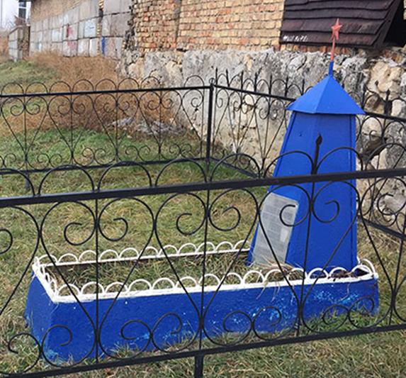 с. Левокумка Минераловодского р-на. Братская могила жителей села и неизвестного солдата.
