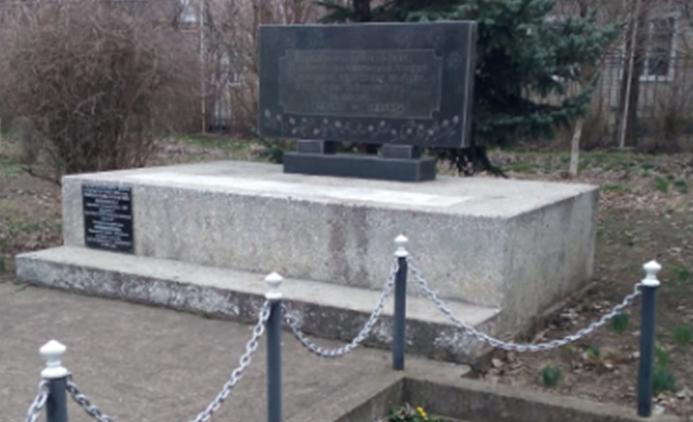 п. Селивановка Советского р-на. Памятник односельчанам, погибшим в годы войны.