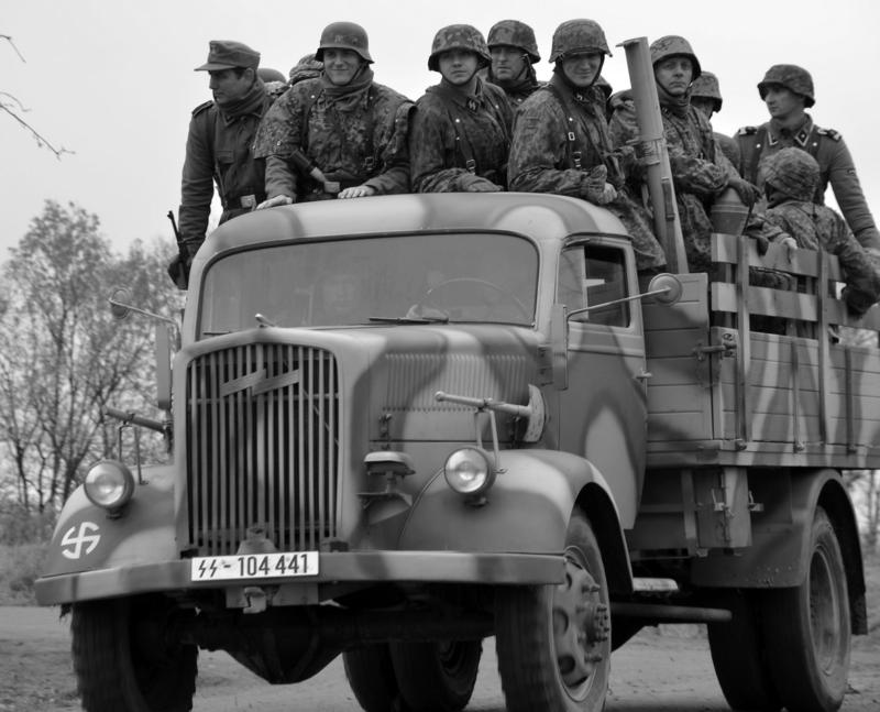 Бортовой грузовик «Opel Blitz 3.6-6700А» во Франции. 1940 г.