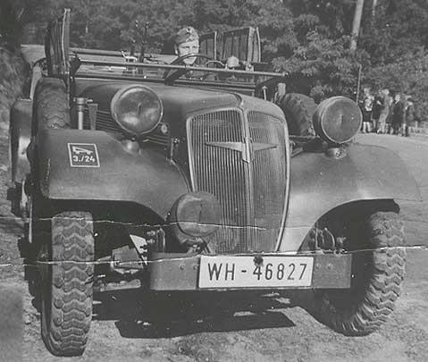 Штабной автомобиль «Adler-3Gd» (Kfz-12) во Франции. 1940 г.