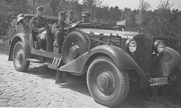 Внедорожник «Horch 830-R» (Kfz-12) с тентом. 1940 г.