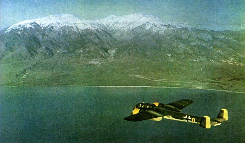 Бомбардировщик Дорнье Do.17Z в греческом небе. Апрель 1941 г.