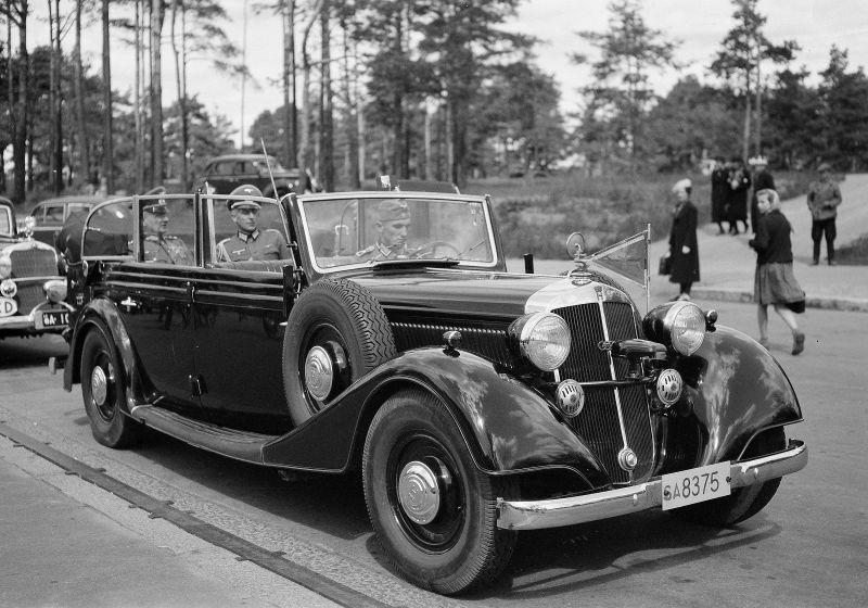 Автомобиль «Horch-830 BL Pullman Cabriolet» в Хельсинки. Финляндия, июнь 1941 г.
