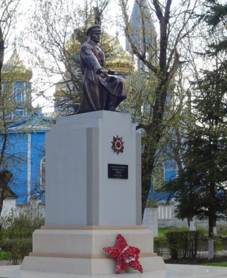 с. Высоцкое Петровского р-на. Братская могила советских воинов.
