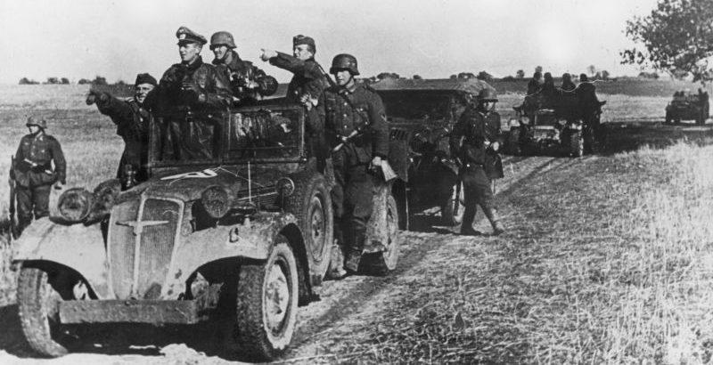 Автомобиль «Адлер» на Восточном фронте. Сентябрь 1941 г.