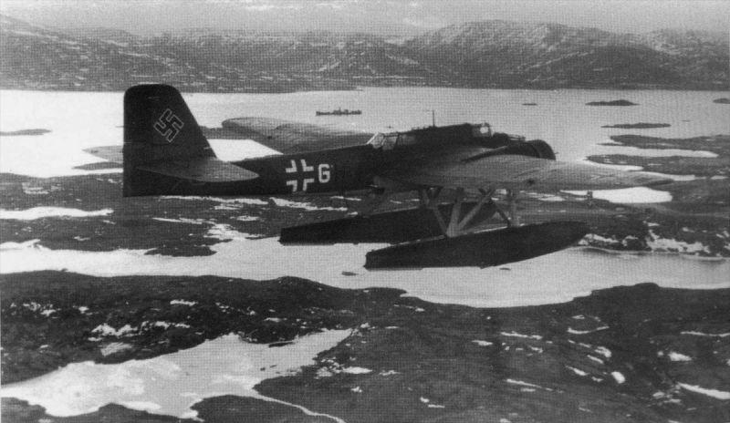 Гидросамолет Хейнкель He-115C-1 над норвежским побережьем. 1941 г.