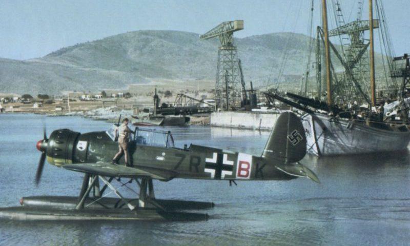 Гидросамолёт Ar.196A-2 в гавани. 1941 г.
