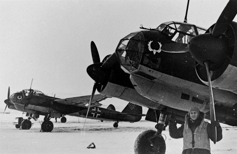 Самолеты Юнкерс Ю-88 120-й разведывательной группы Люфтваффе на аэродроме Бардуфос. Норвегия,1941 г.