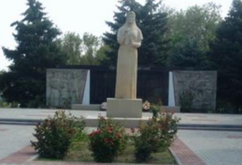 с. Камбулат Туркменского р-на. Мемориал «Слава воинам в битвах за Родину павшим».