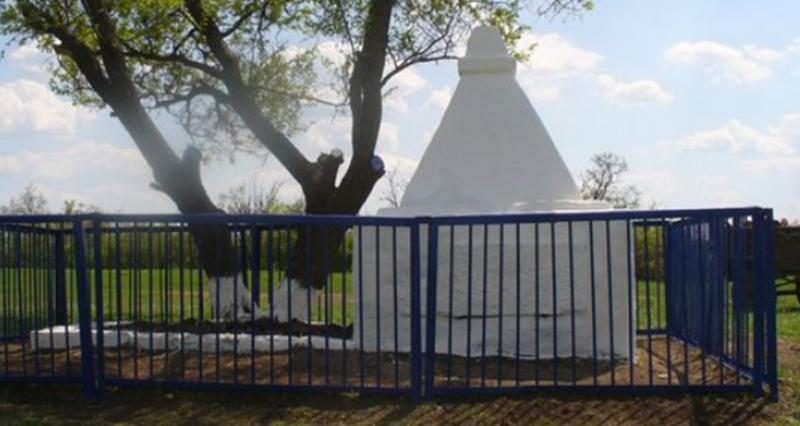 х. Калюжный Шпаковского р-на. Памятник воинам-землякам, погибшим в годы войны.