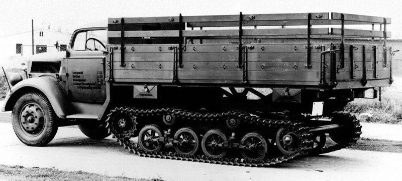 Прототип полугусеничного грузовика «Opel Blitz 3,6-36S/SSM». 1942 г.