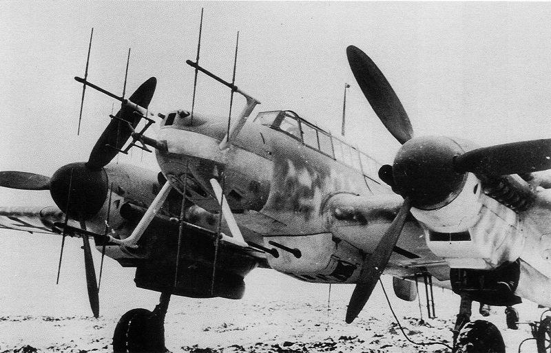 Ночной истребитель Мессершмитт Bf.110G, оснащенный радаром «Лихтенштейн». 1943 г.