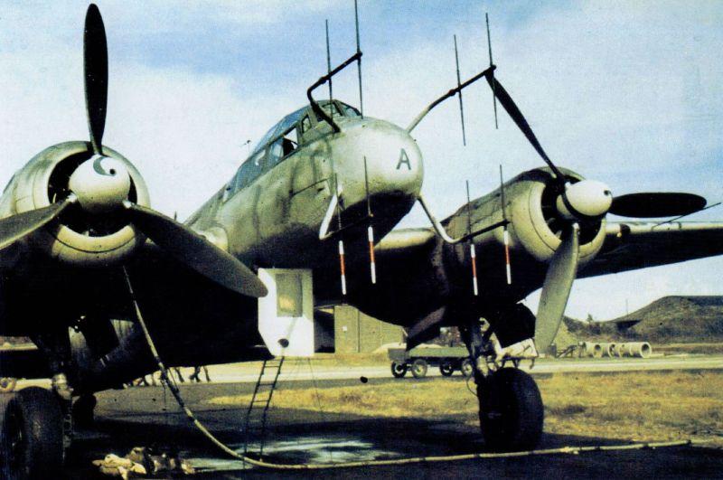 Ночной истребитель Юнкерс Ю-88 на норвежском аэродроме Кьевик. 1944 г.