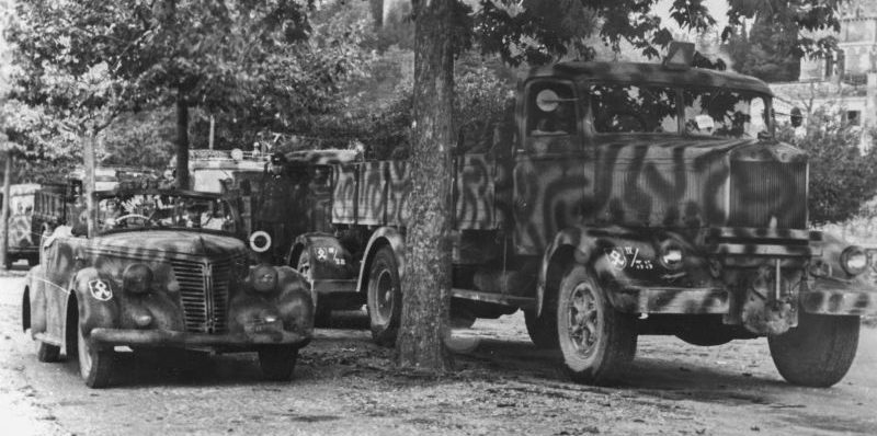 Автомобиль «Fiat-2800» и грузовик «Lancia 3Ro» на службе Вермахту. 1944 г.