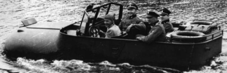 Автомобиль «Trippel SG-6/41» на воде. 1944 г.