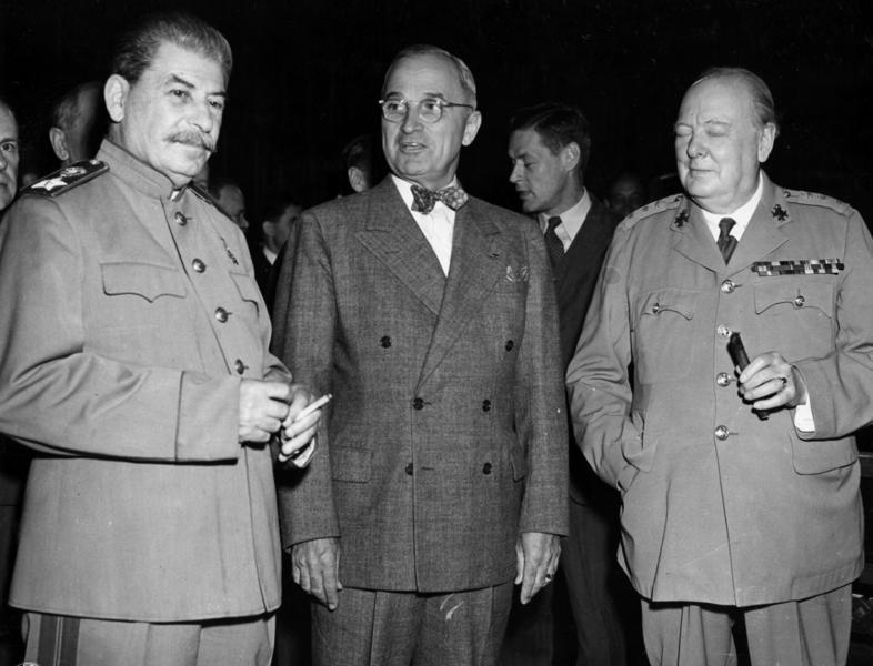 И. В. Сталин, Г. Трумэн и У. Черчилль на Потсдамской конференции.