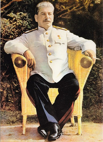 Генералиссимус Сталин в маршальской форме.