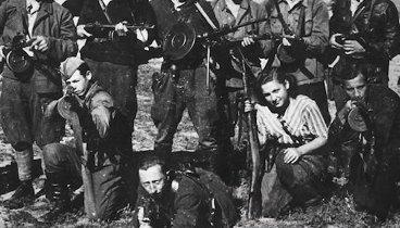 Чехословацкие партизаны в освобожденном Зволене.
