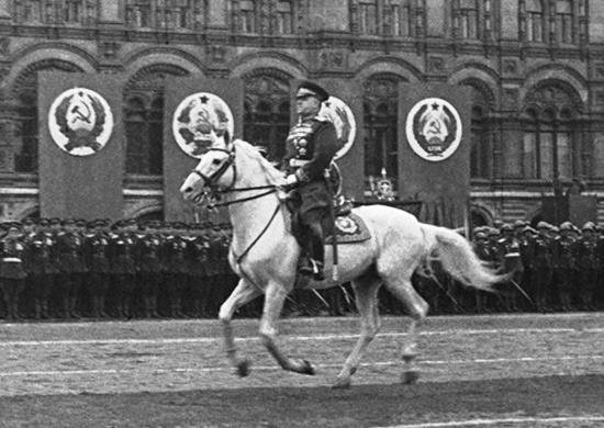 Г.К. Жуков на параде.