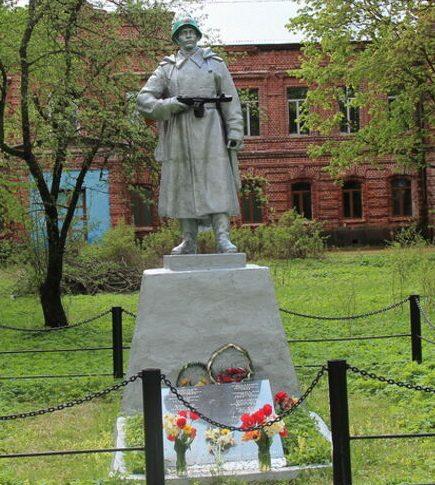 д. Гора Бежаницкого р-на. Братская могила советских воинов, погибших в 1944 году.