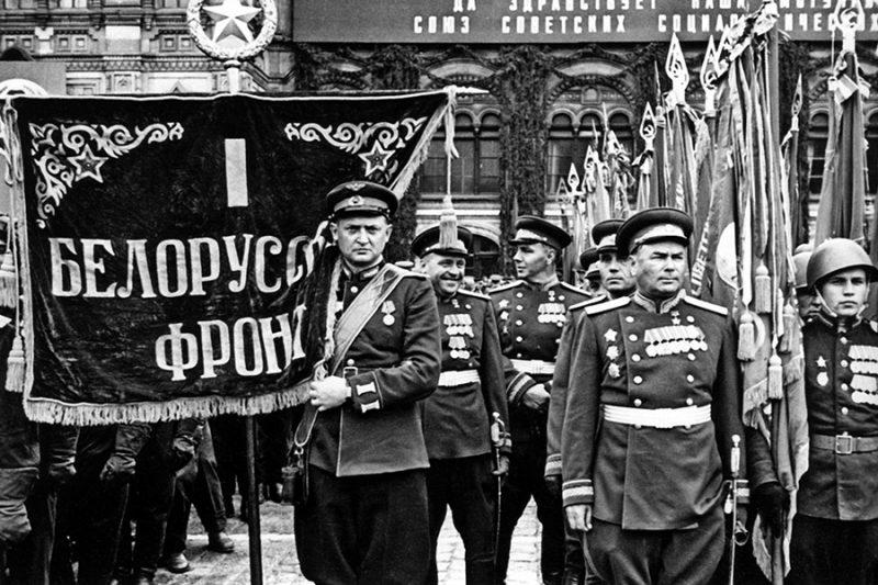 1-й Белорусский фронт на параде.