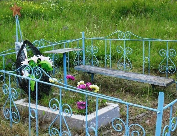 д. Махново Бежаницкого р-на. Могила неизвестного солдата.