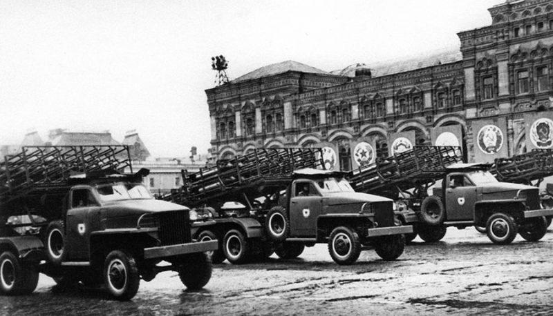 Парад военной техники.