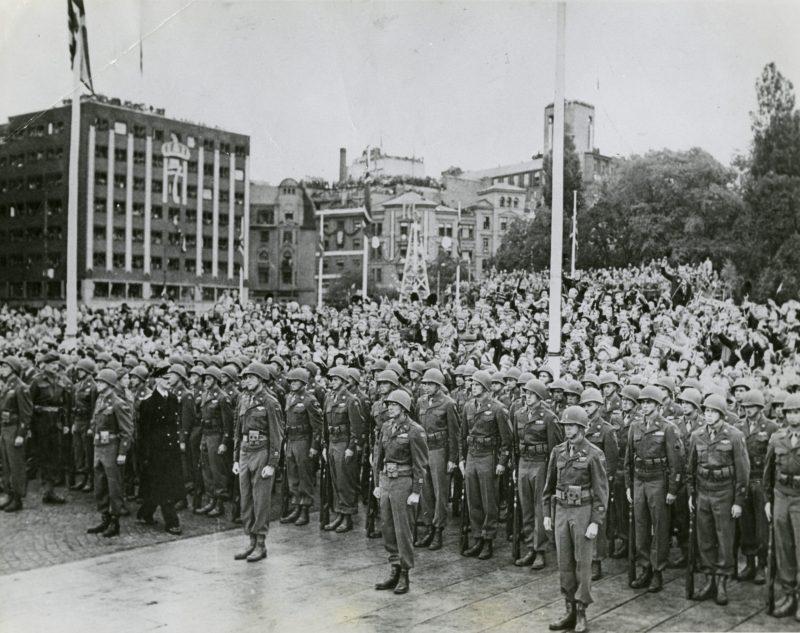 Парадные расчеты перед началом парада.