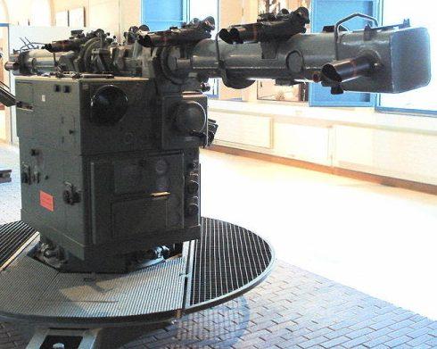 Дальномер Em 4m R 40 в составе командного поста управления огнем Kdo. Ger. 40.