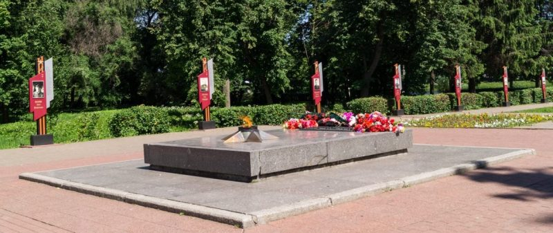 Аллея 24 Героев Советского Союза – уроженцев г. Великие Луки и Великолукского района.