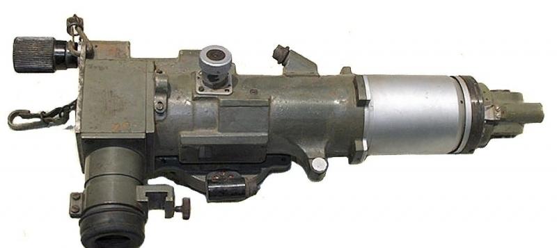 Одна из модификаций ПТ-1 - перископический прицел наводчика ПТ-4-7.