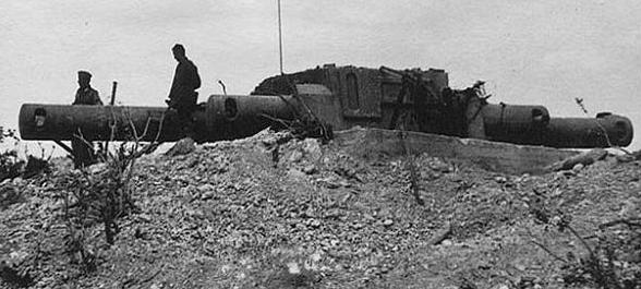 Дальномер 30-й бронебашенной береговой батареи под Севастополем.