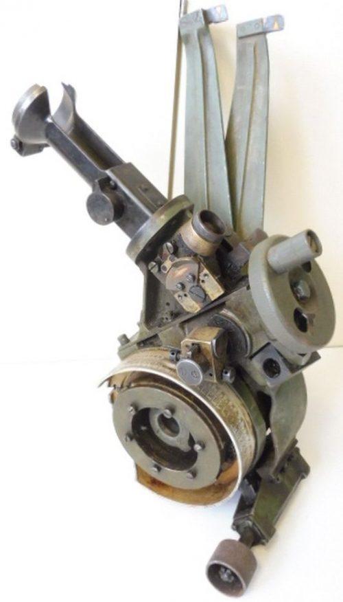 Прицельное приспособление для тяжелой полевой гаубицы 15 cm sFH 18.