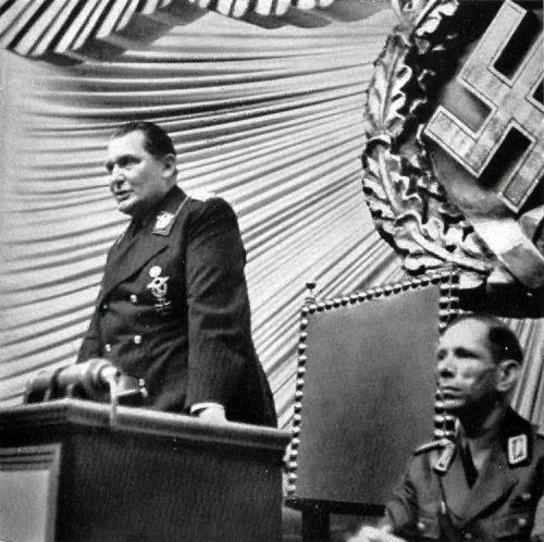 Герман Геринг выступает в Рейхстаге. 1939 г.