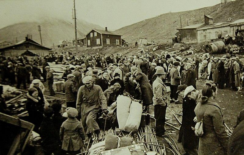 Норвежское население готовится к эвакуации.
