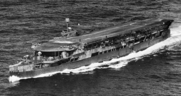 Авианосец «Фьюриес».