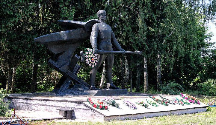 с. Городовка Андрушевского р-на. Памятник воинам-односельчанам, погибшим в годы войны.