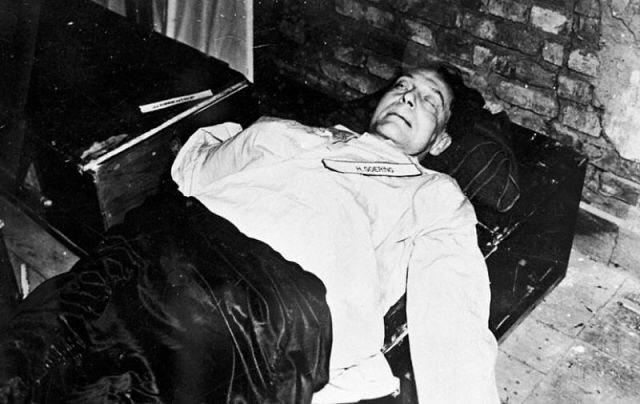 Труп Геринга после отравления. 16 октября 1946 г.
