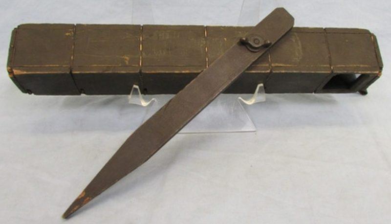 Деревянный траншейный перископ, использовавшийся в Первой и Второй мировой войнах.