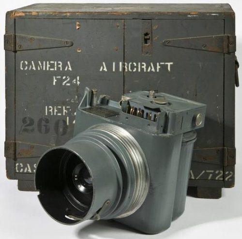 Камера F.24 с упаковочным ящиком.