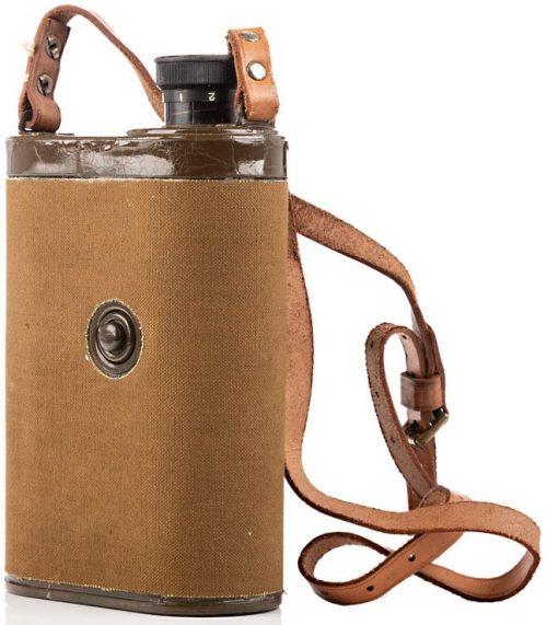 Инфракрасный монокуляр ночного видения «Табби» и футляр к нему. Прибор выпускался для британского спецназа с 1939 года.