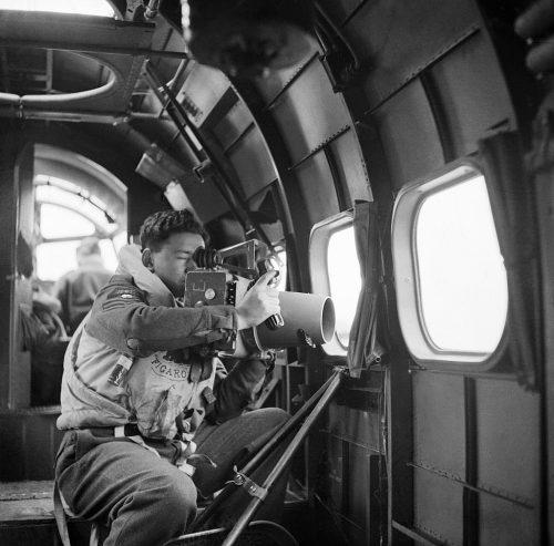 Фотосъемка камерой F.24 с борта Lockheed Hudson.