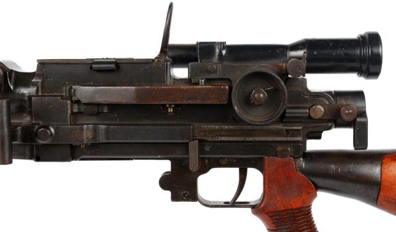 Пулемет Type 99 с прицелом 2,5x13º.