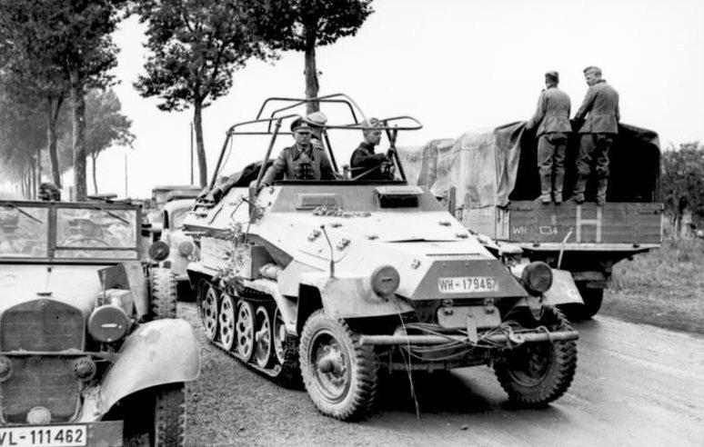 Войска немецкого 19-го армейского корпуса.