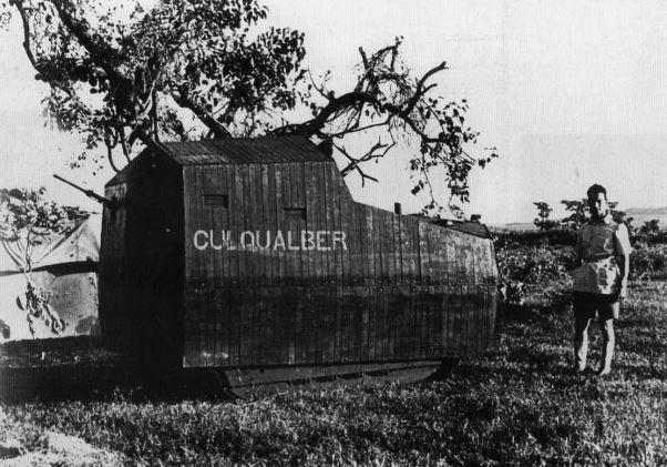 Итальянский импровизированный бронетранспортер у Кулкалбери.