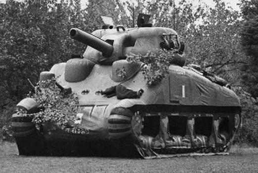 Надувной танк, применяемый во время операции «Fortitude».