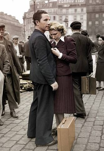 Сцена французской мобилизации 1939 года на Gare de L'est Paris.