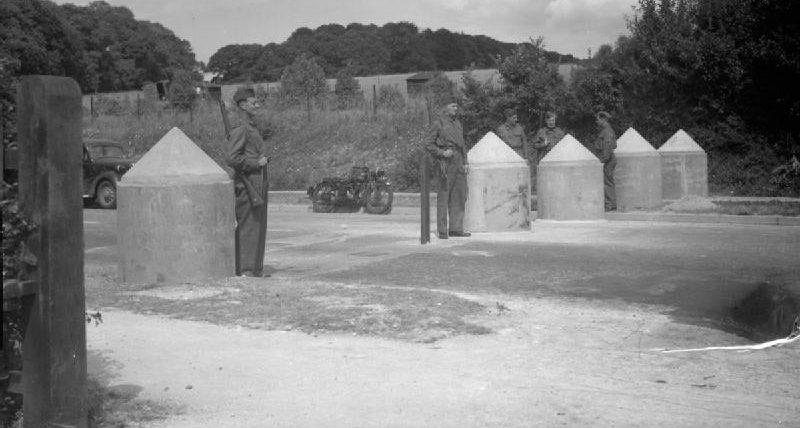 Блок-пост ополчения в Финдоне. Сассекс, 26 июня 1940 г.