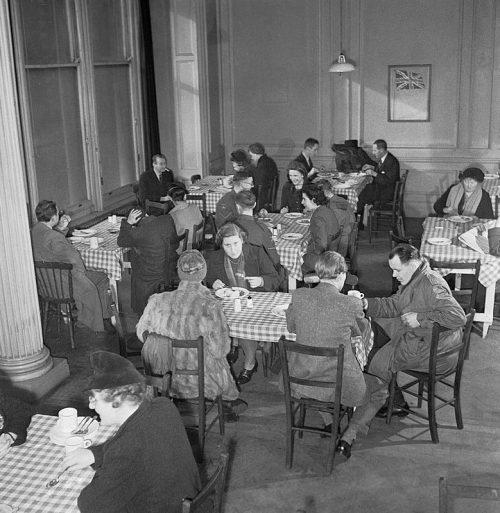 Британский ресторан в Лондоне. 1943 г.