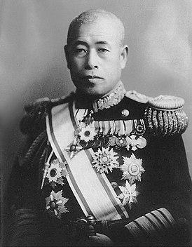 Адмирал Ямамото в парадном мундире. 1942 г.